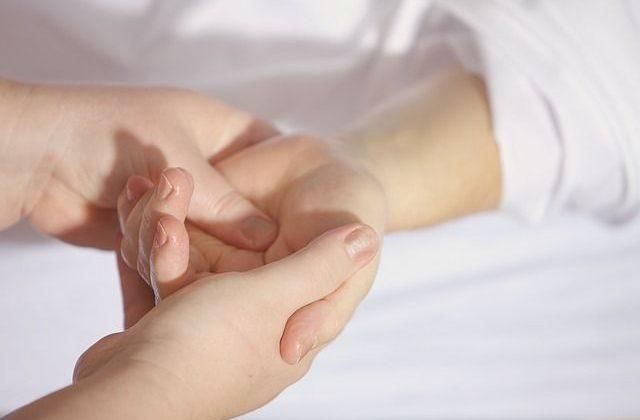 HERAX, der Roboter-Handtherapeut-HealthcareHeidie-01